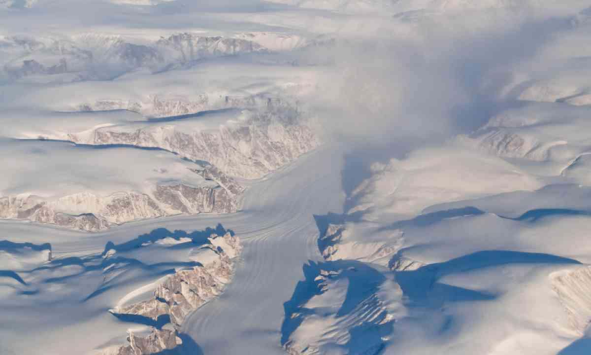 Aerial View of Glaciers, Mountains and Fjords of Auyuittuq National Park, Baffin Island (Shutterstock)