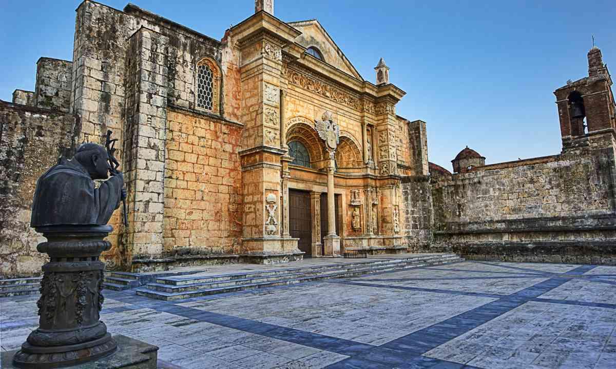 Catedral Santa Maria in the colonial quarter of Santo Domingo (Dreamstime)