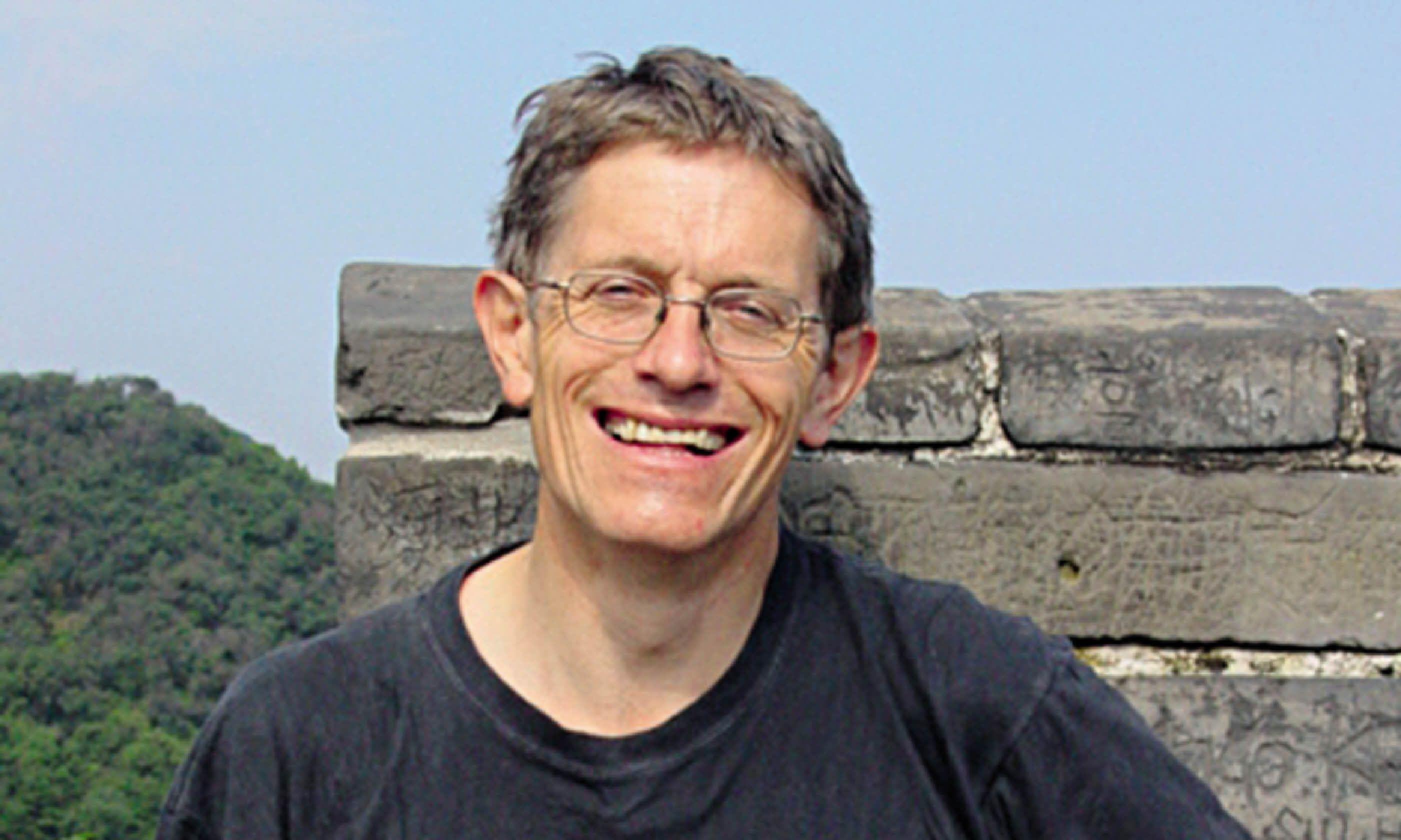 Simon Calder (Sam Bryson)