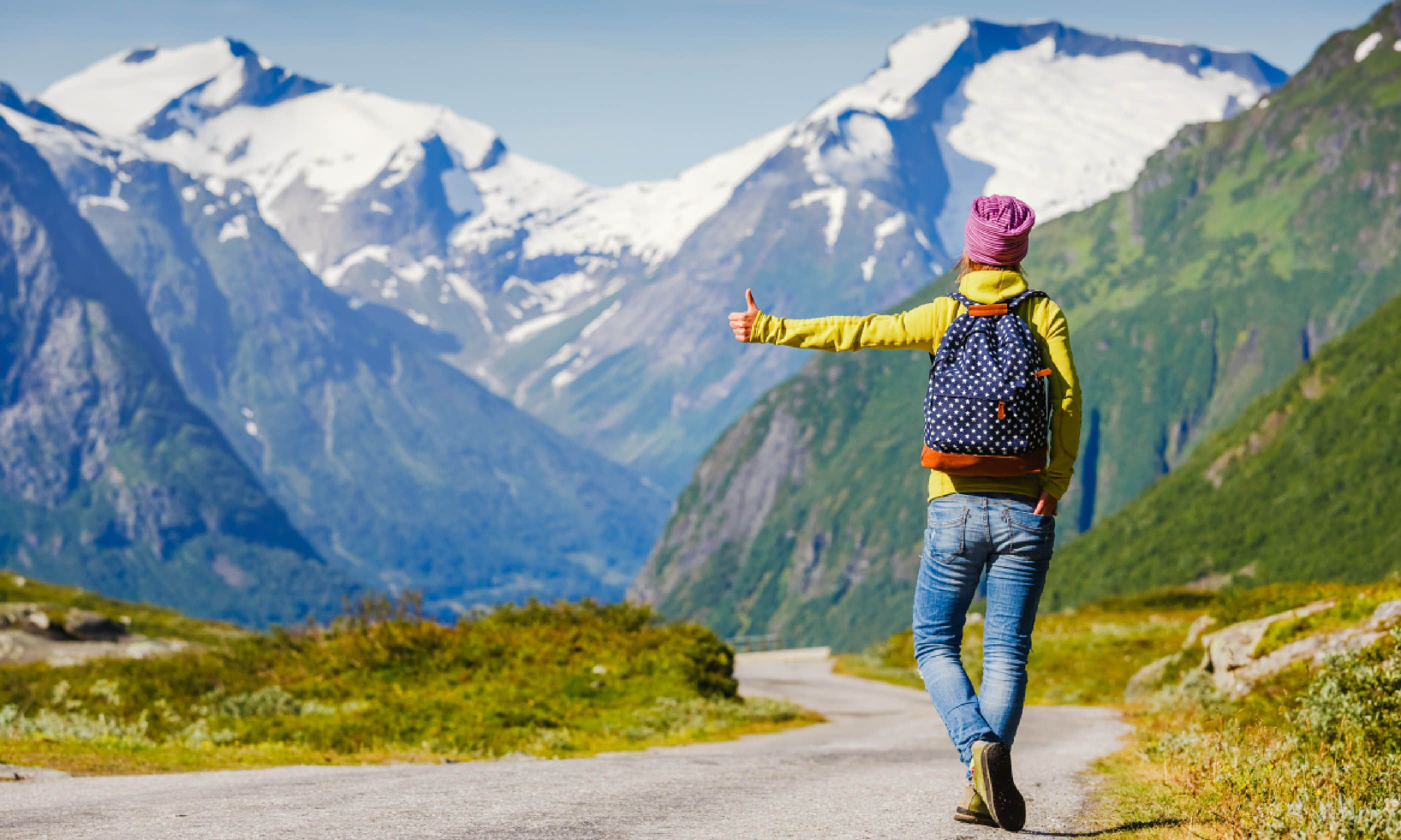 Hitchhiking in the mountains (Shutterstock)
