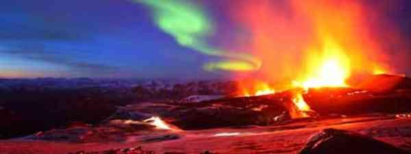 Iceland sunset, Northern Lights and volcano (James Appleton)