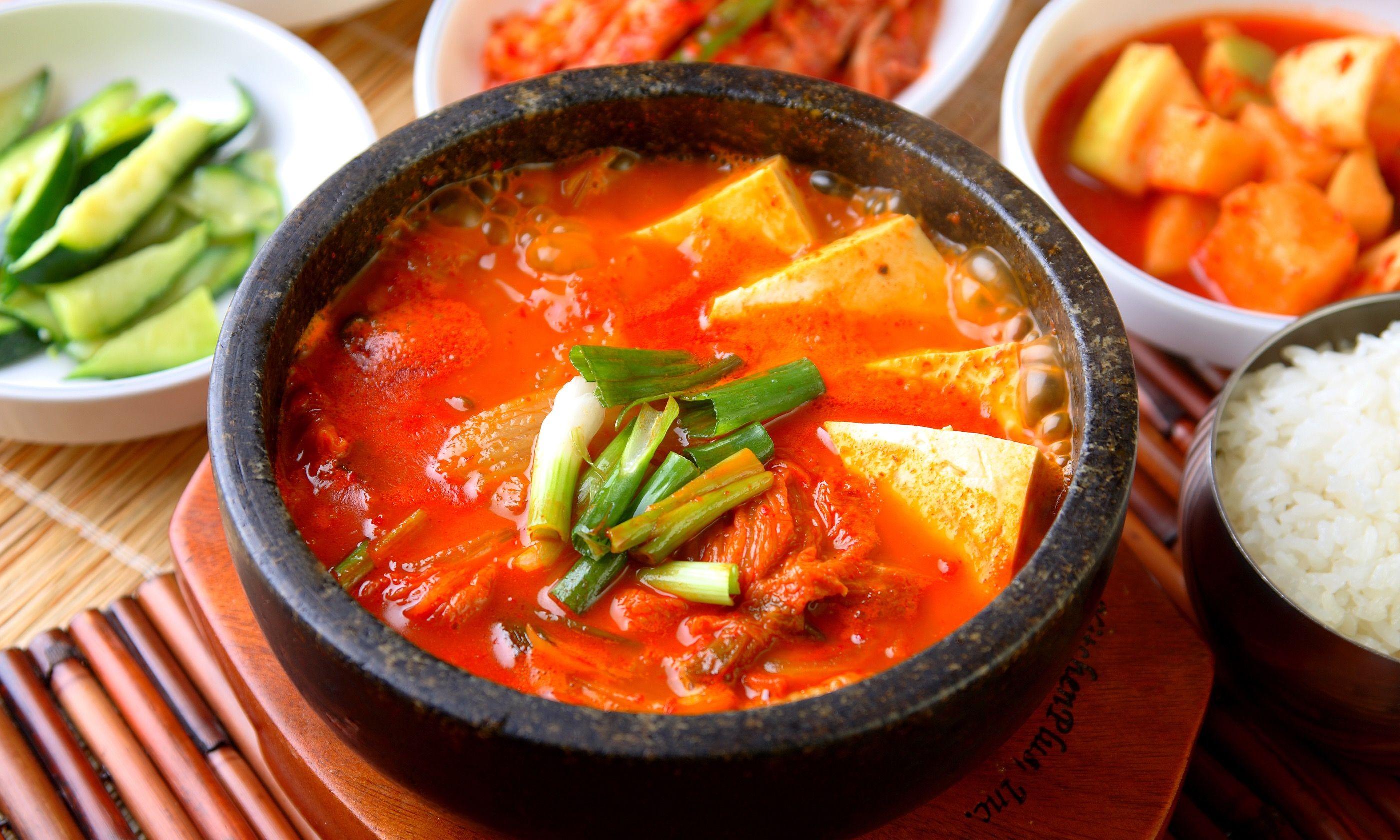 Kimchi stew (Shutterstock)