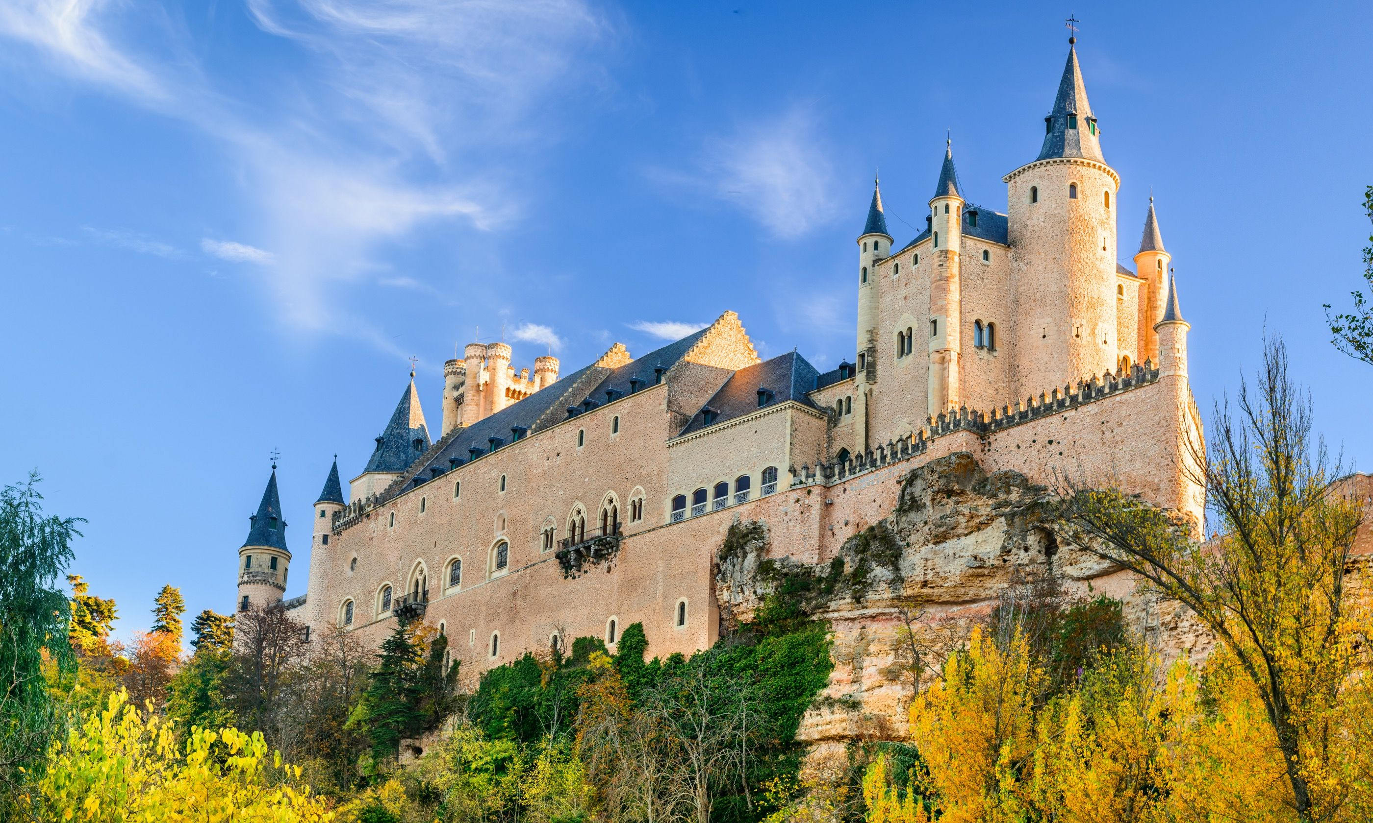 Ahoy! It's the Alcazar of Segovia (Dreamstime)