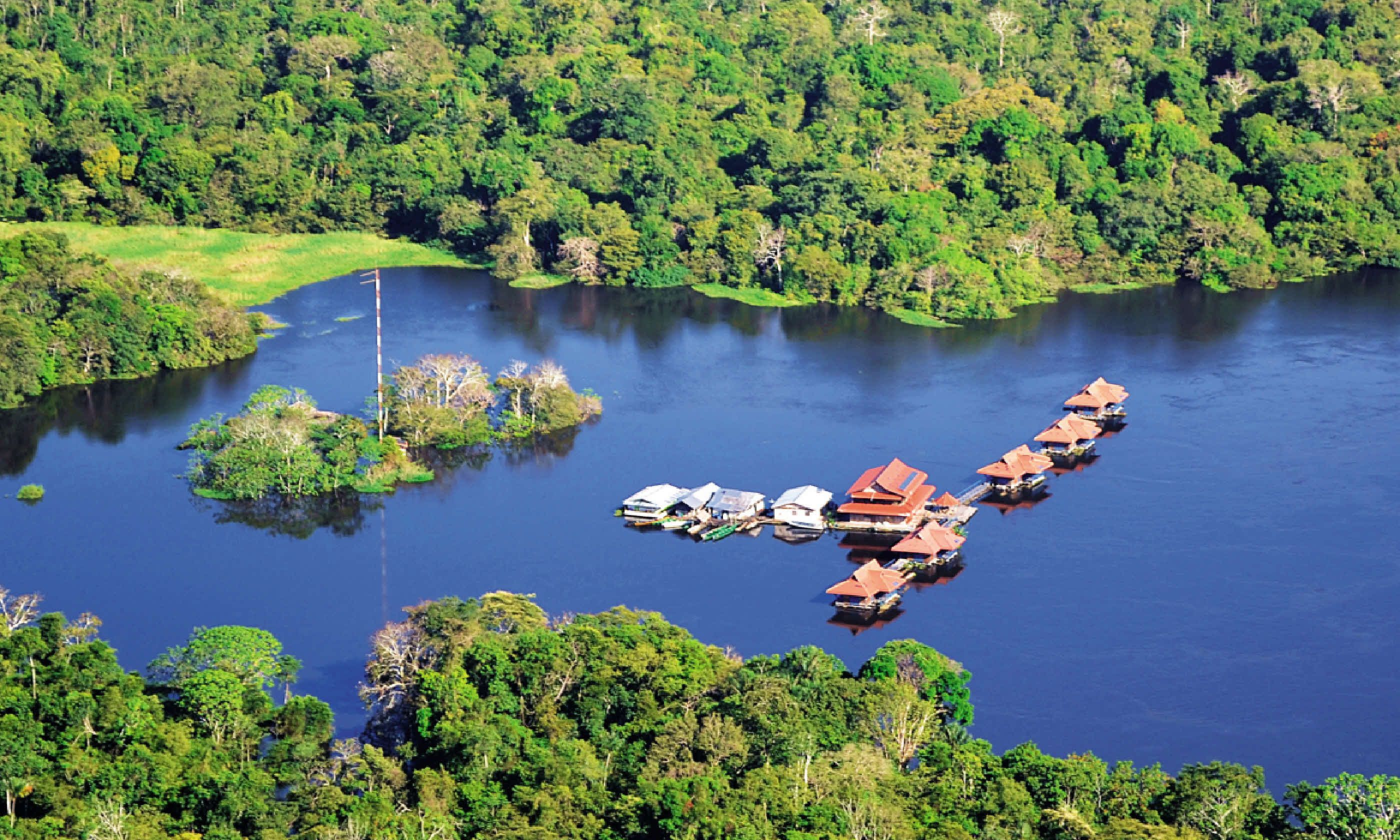 Floating lodges in Brazil's jungle