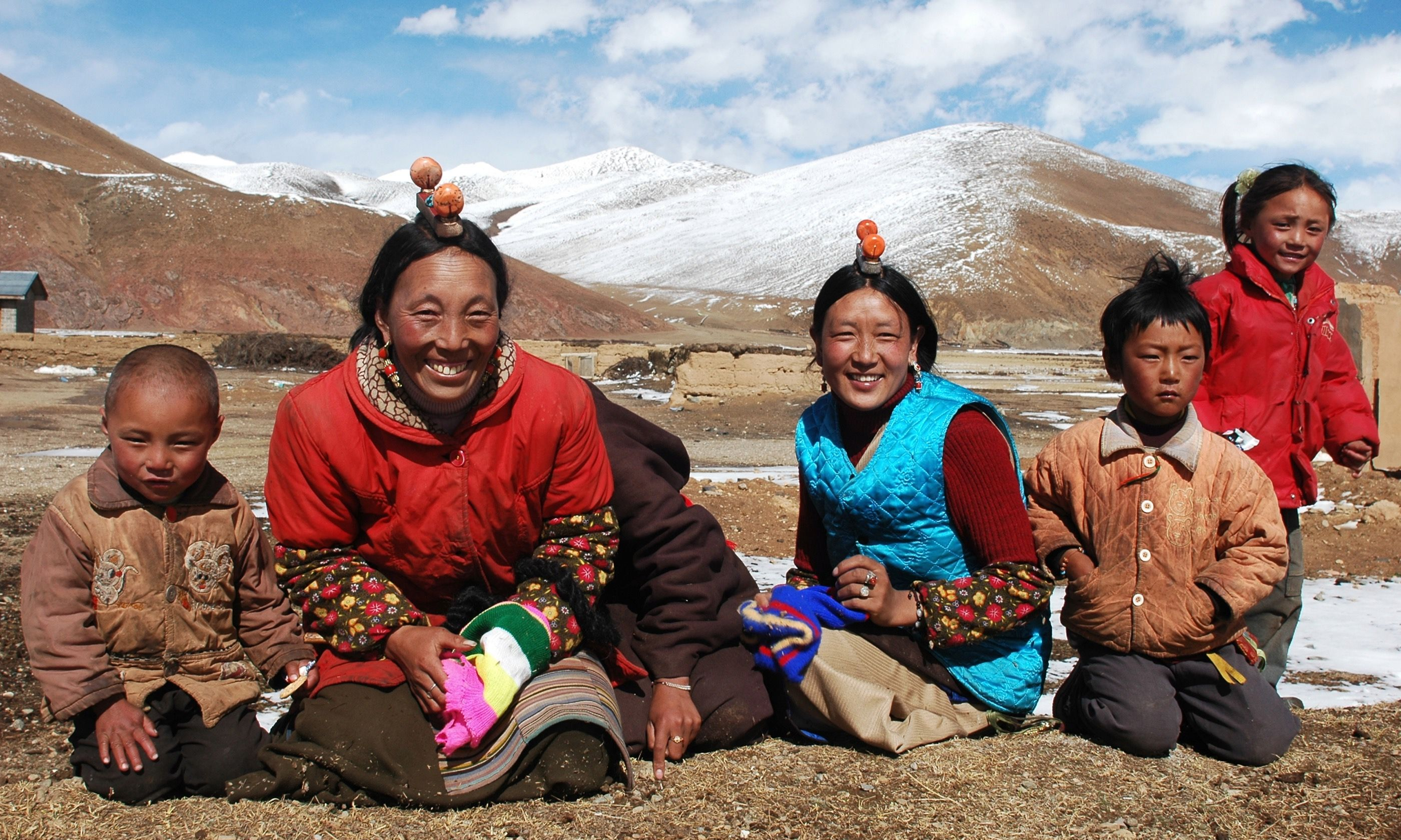 Tibetan family (Dreamstime)