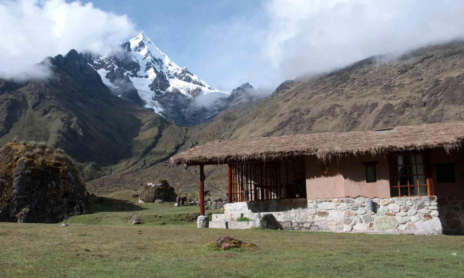 Mountain lodge in Peru (Simon Chubb)