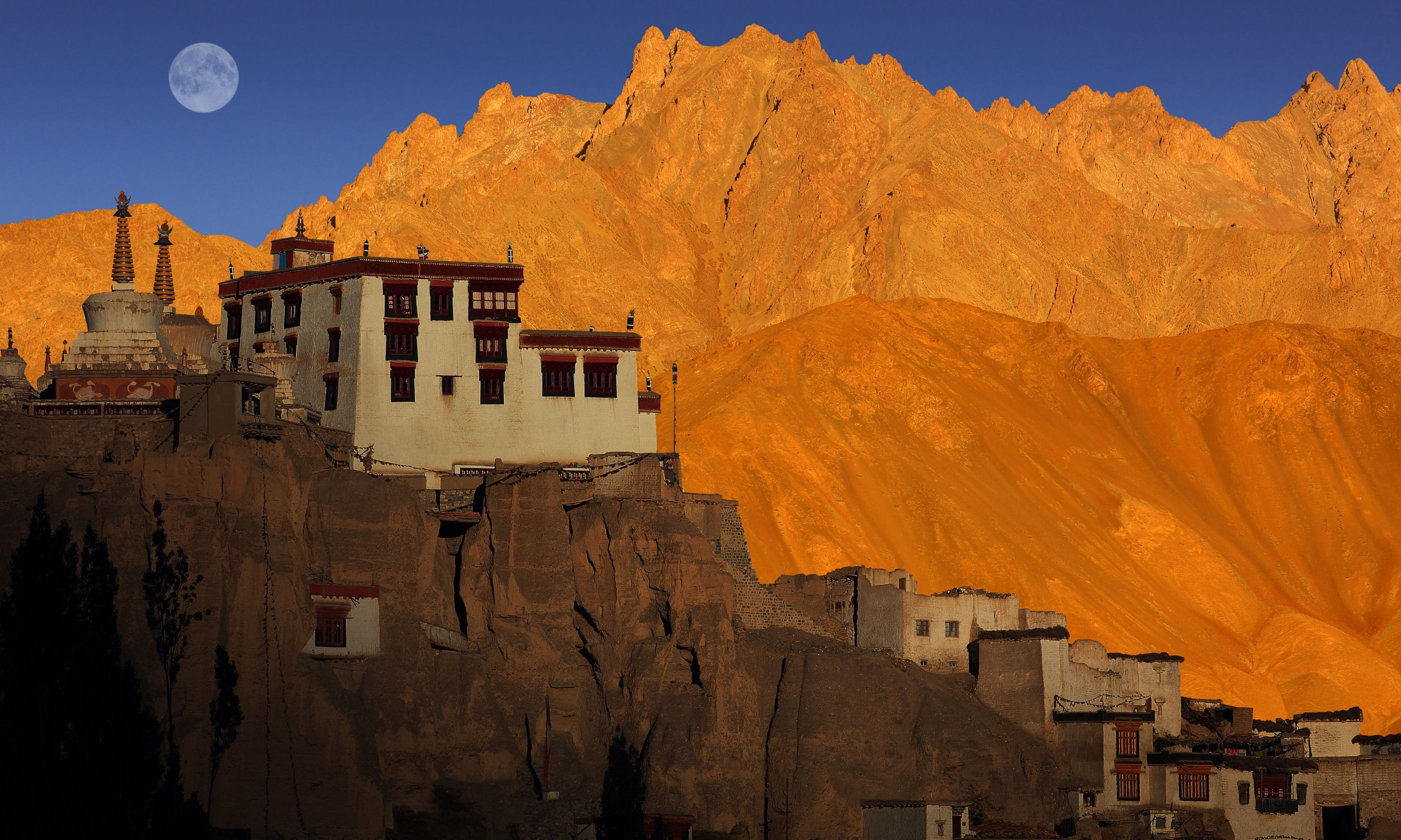 Mountain peaks in Ladakh (Dreamstime)