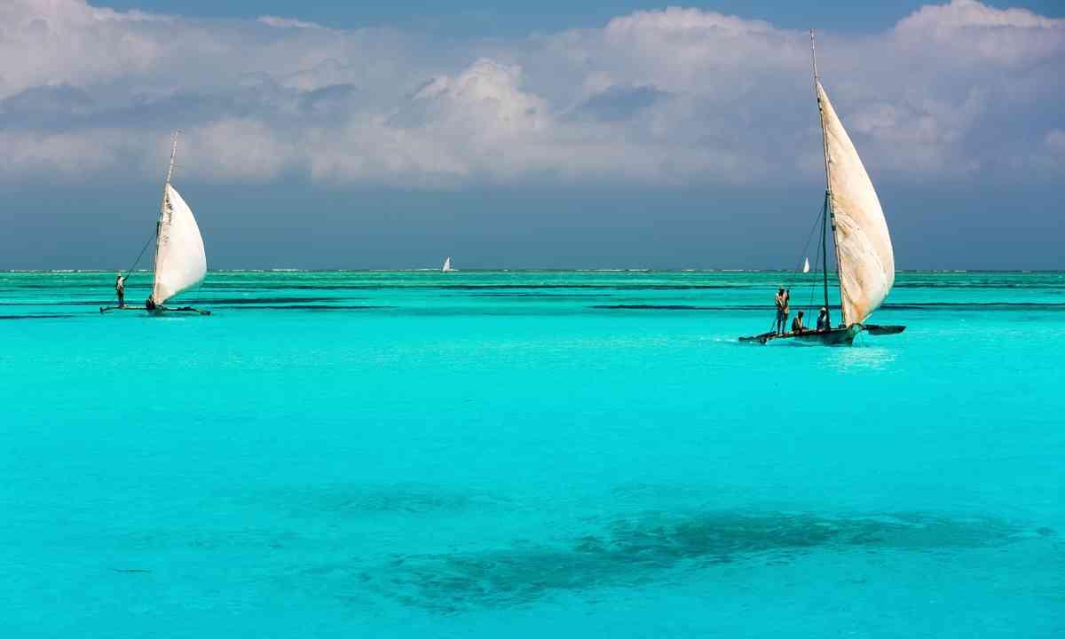 Dhows sailing near Zanzibar (Shutterstock.com)