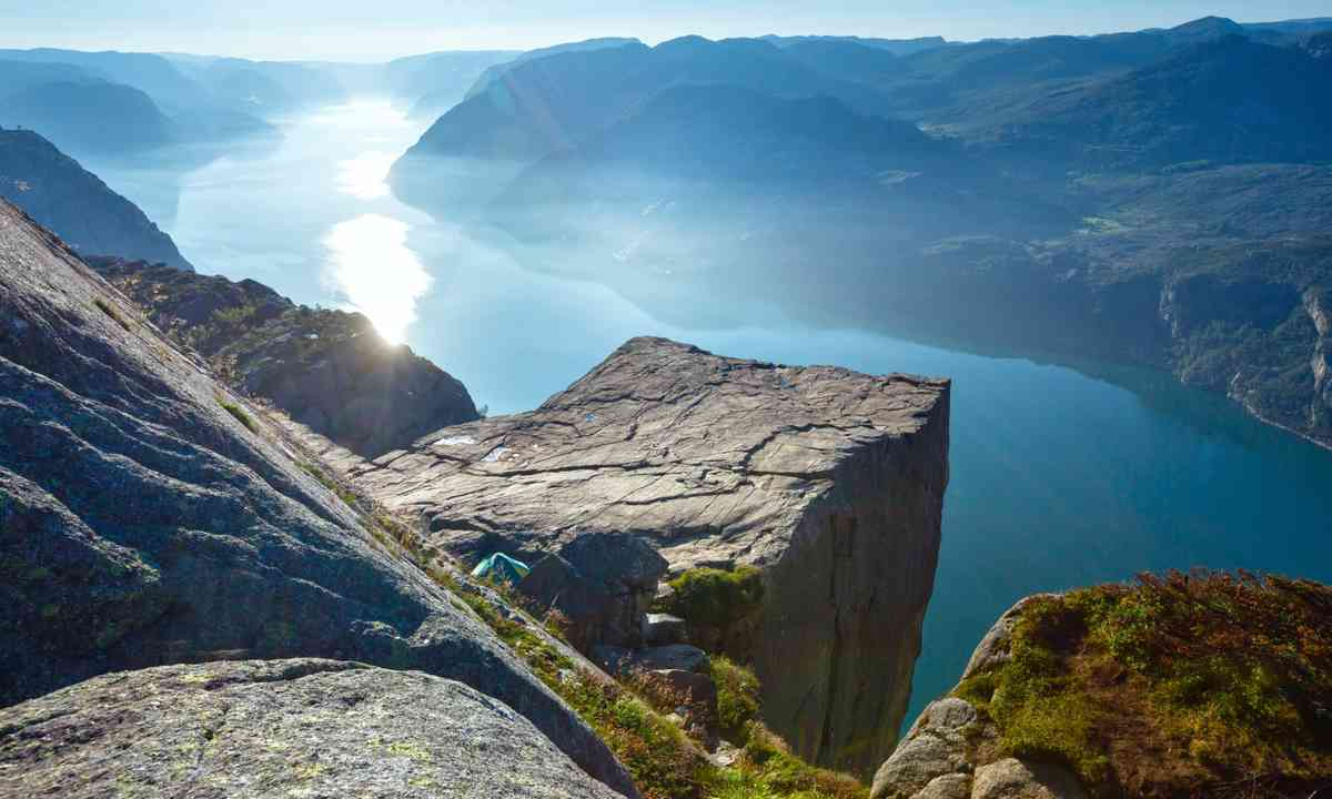 Pulpit Rock before the crowds arrive (Shutterstock.com)