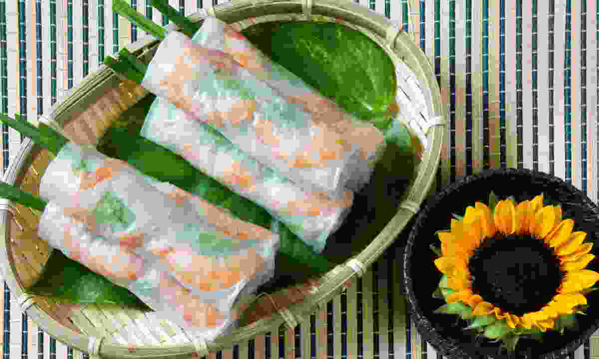 Goi cuon, a typical Vietnamese street food (Dreamstime)