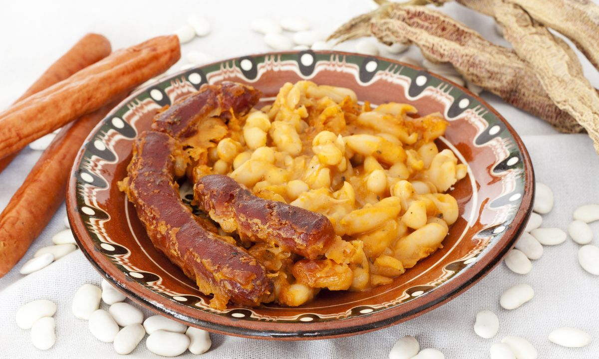 Tavce Gravce, a traditional Macedonian dish (Dreamstime)