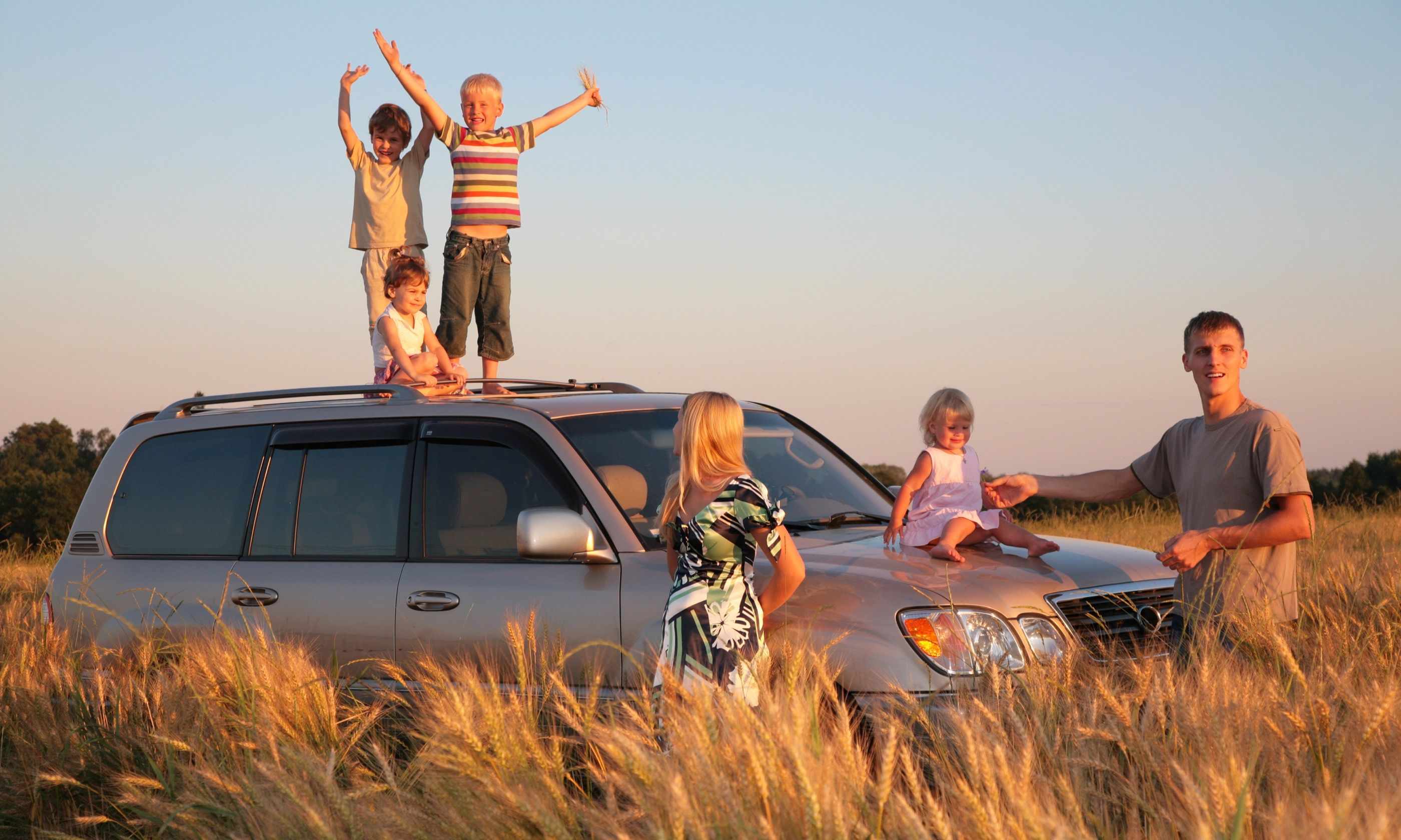 Family on an off-road adventure (Dreamstime)