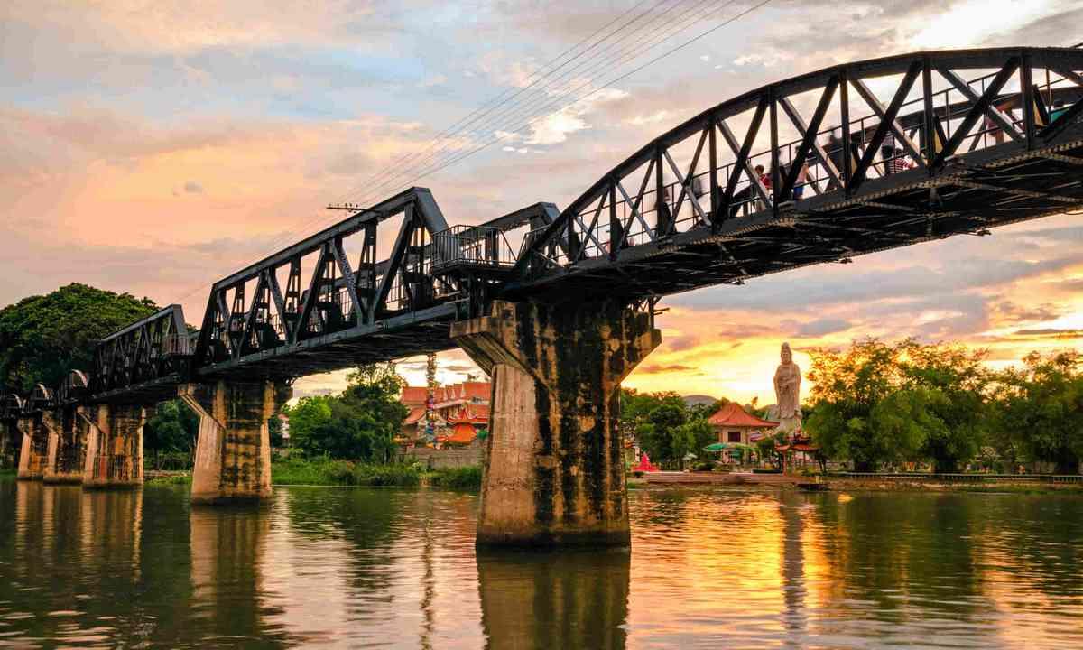 The bridge over the River Kwai, Thailand (Shutterstock)