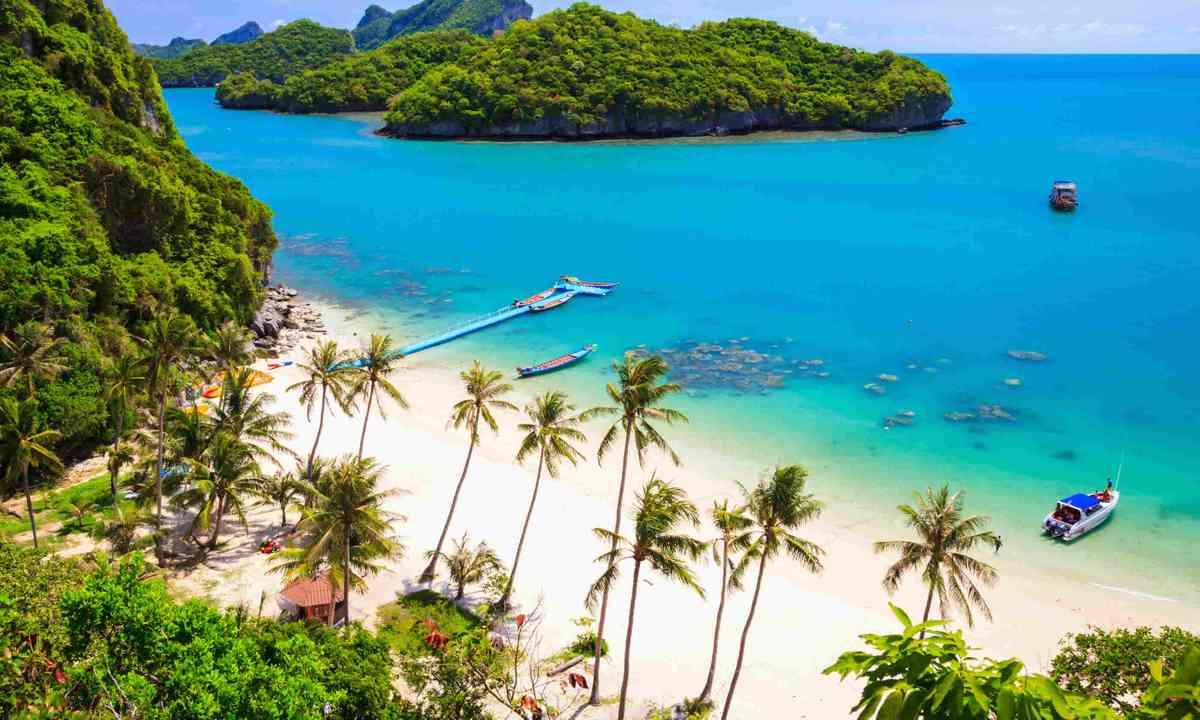 Angthong national marine park, Koh Samui, Thailand (Shutterstock)