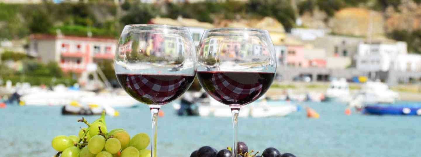 Italy wine glasses (Shutterstock: see credit below)