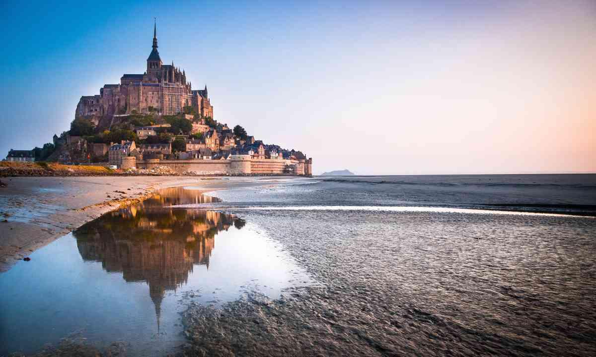 Mont St Michel (Shutterstock.com)