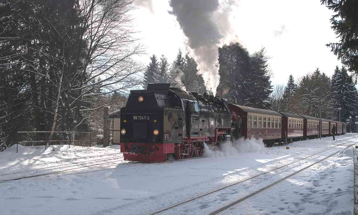 Historic steam train at the Harz (Dreamstime)