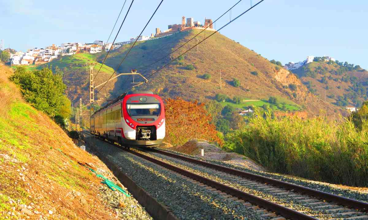 Train leaving Andalucía (Dreamstime)