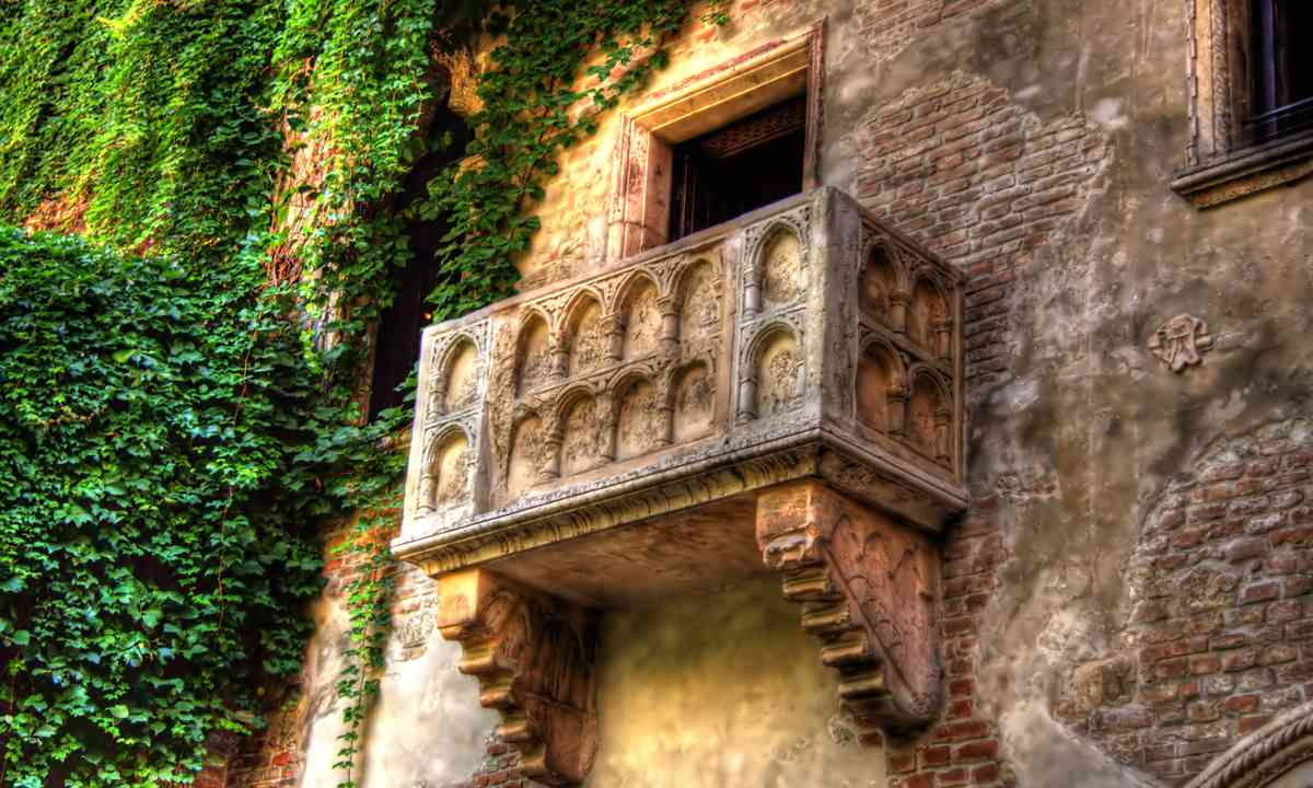 The Romeo and Juliet balcony (Dreamstime)