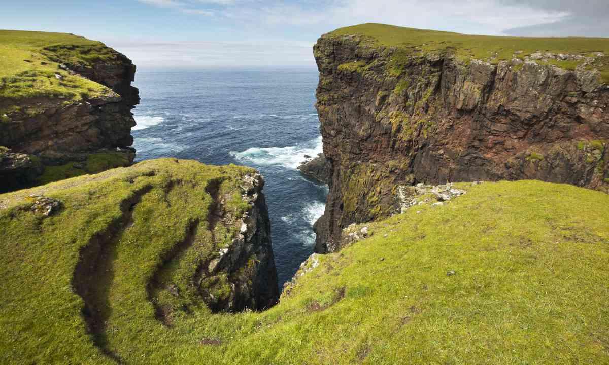The Shetland coastline (Dreamstime)