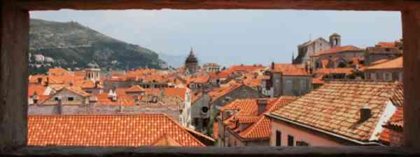 Looking in on Dubrovnik (photographerglen)