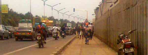 Business as usual on the border in Benin (Marie Javins)