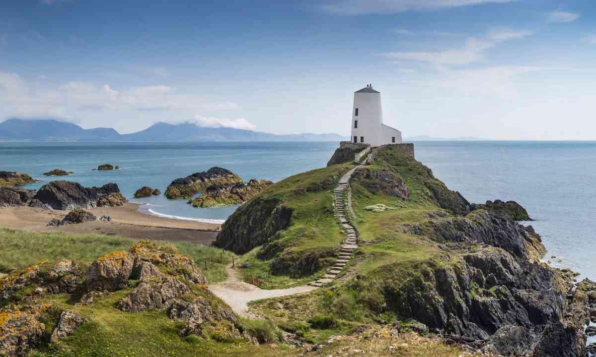 Llanddwyn Island (Dreamstime)
