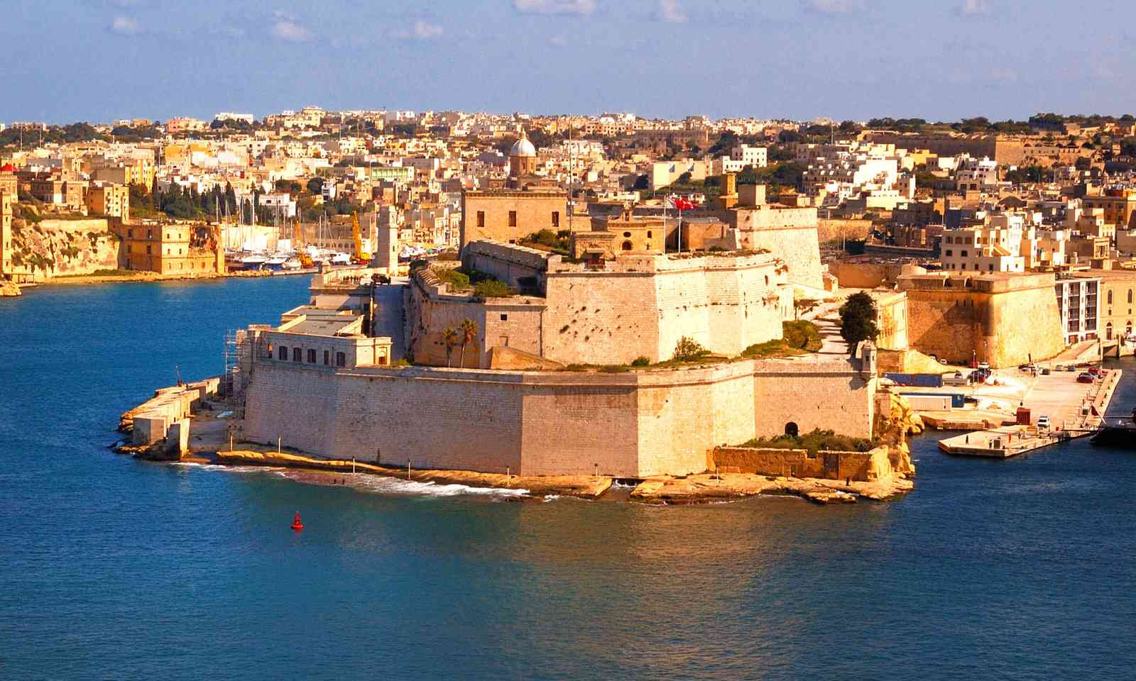 The harbour walls of Valletta (Dreamstime)