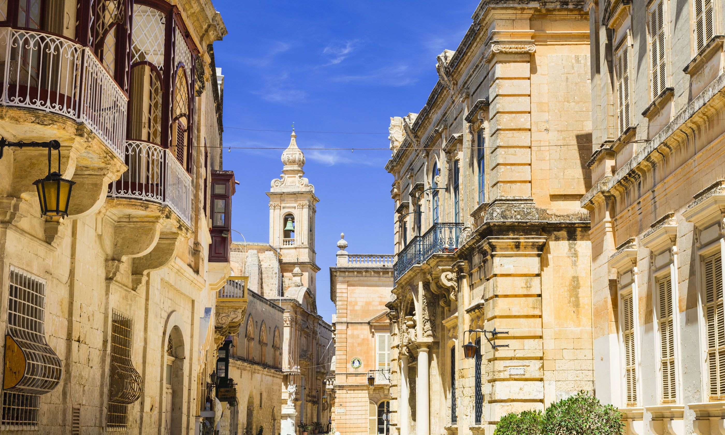 Inside the walls of Mdina (Dreamstime)