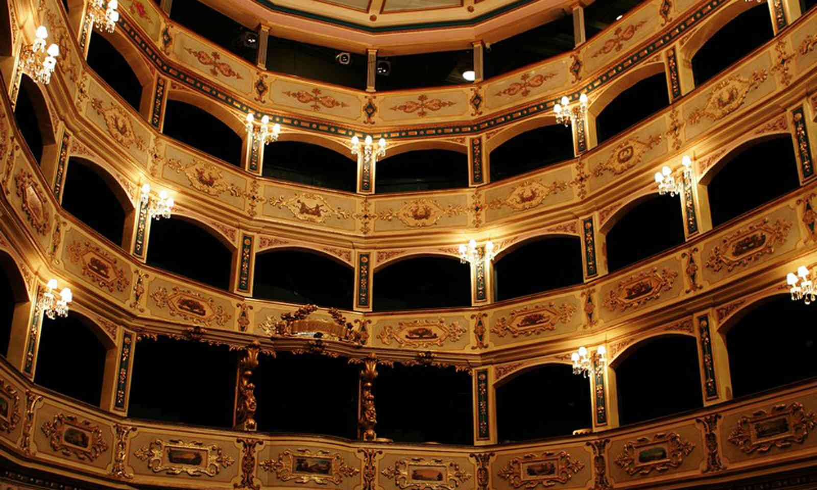 The boxes at Manoel Theatre (teatrumanoel.com.mt)