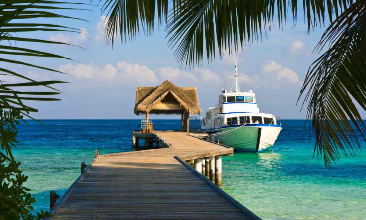 Yacht, Maldives (Shutterstock)