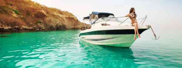 Luxury Maldives vacation at sea (Shutterstock: see credit below)