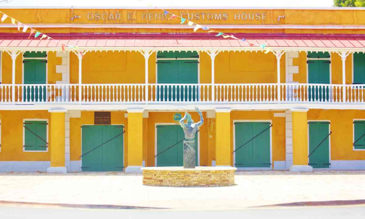 Customs House in Frederiksted (Dreamstime)
