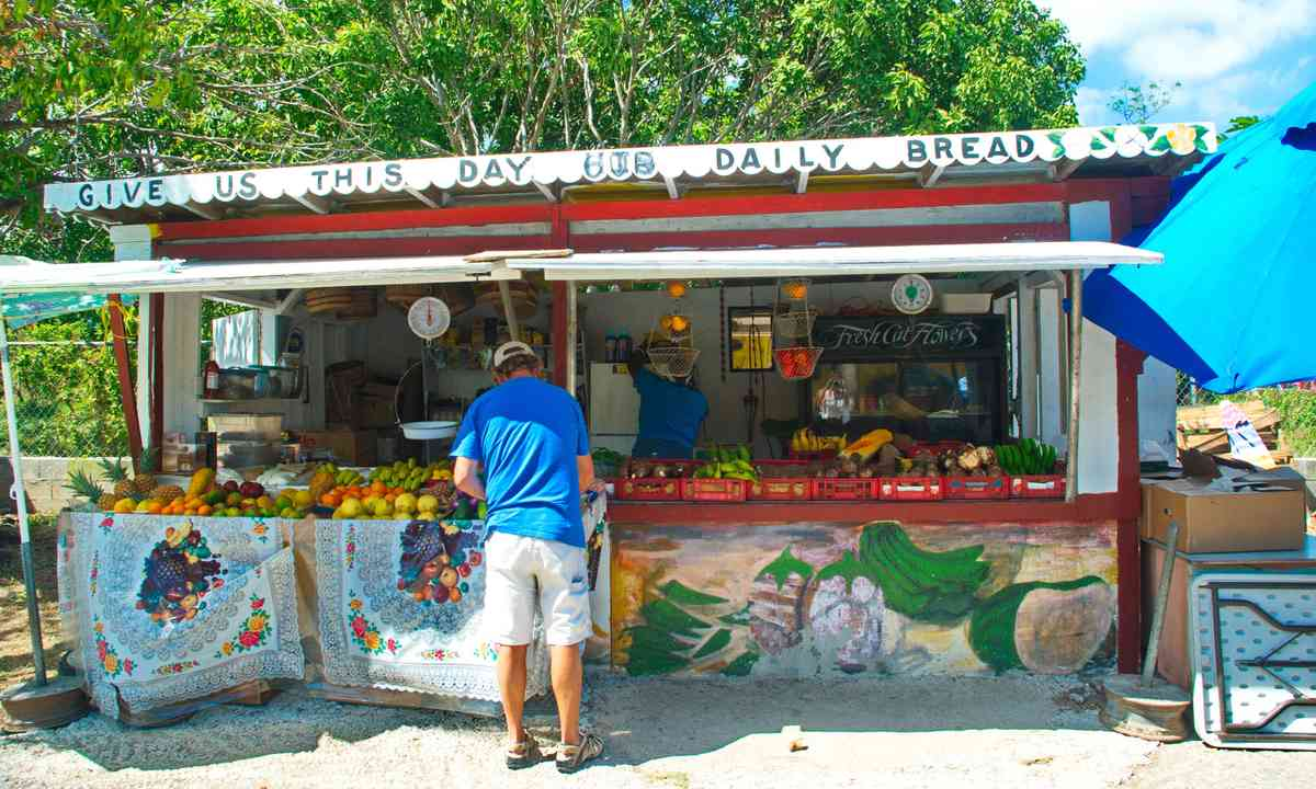 A local fruit market on St. Thomas (Dreamstime)