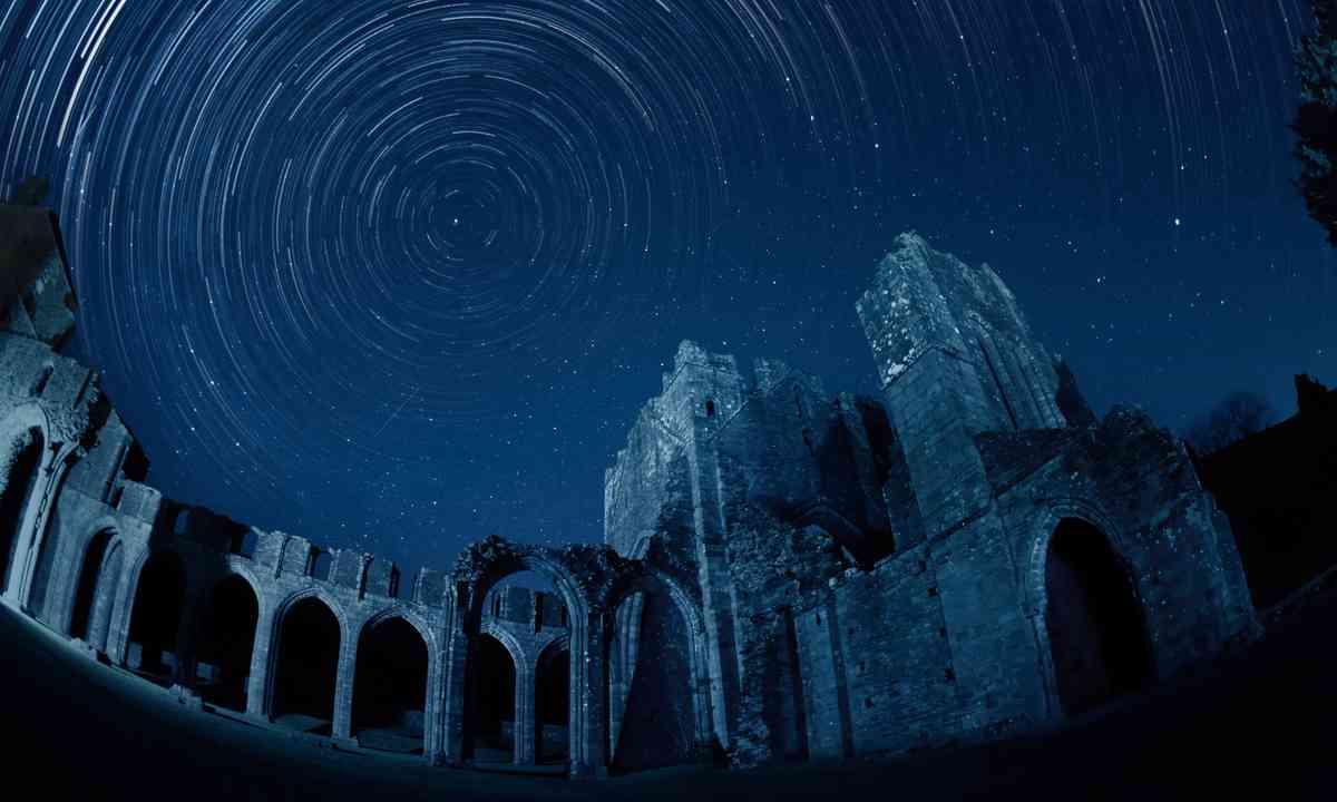 Llanthony Priory (Michael Sinclair)