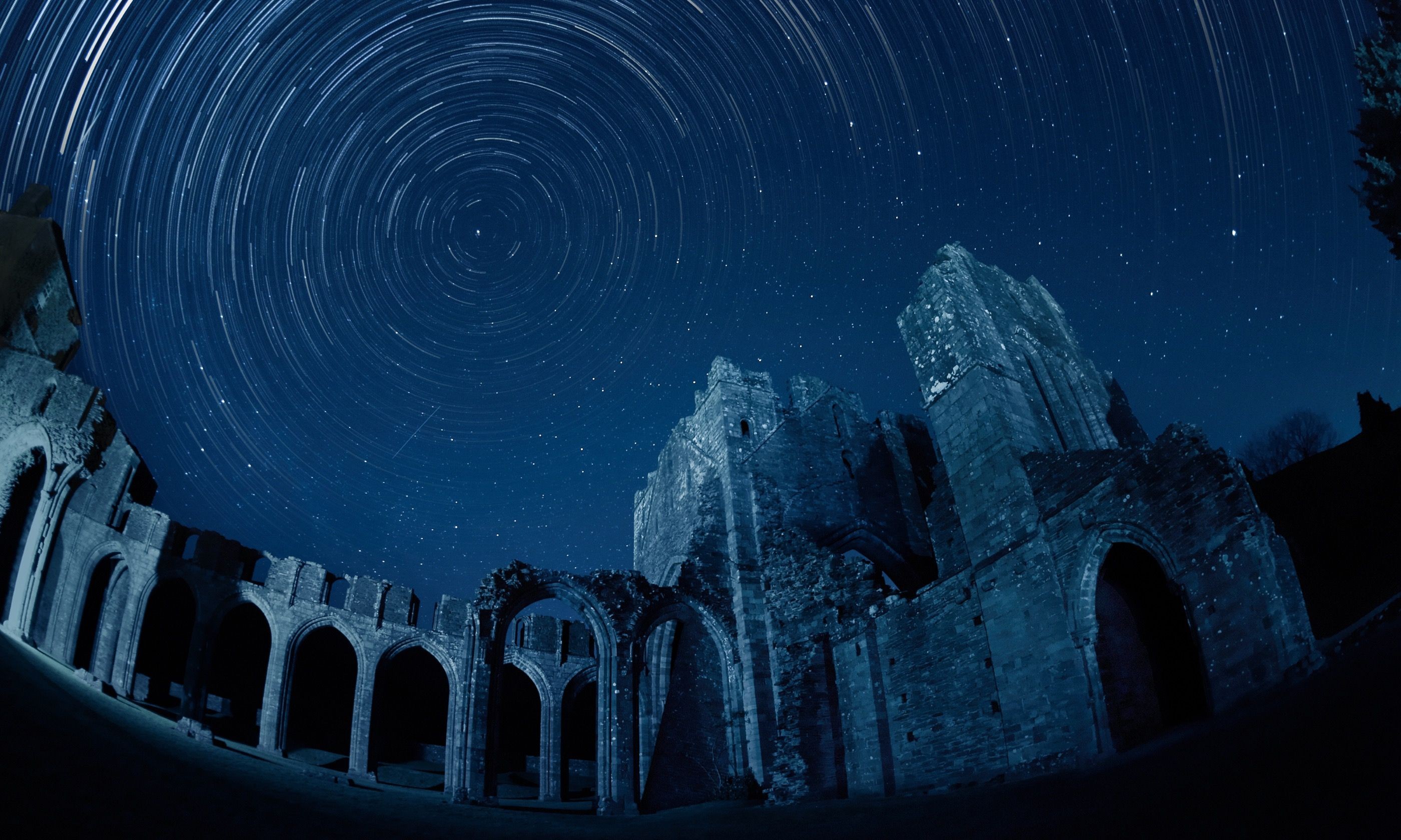 Llanthony Priory (Michael Sinclair)