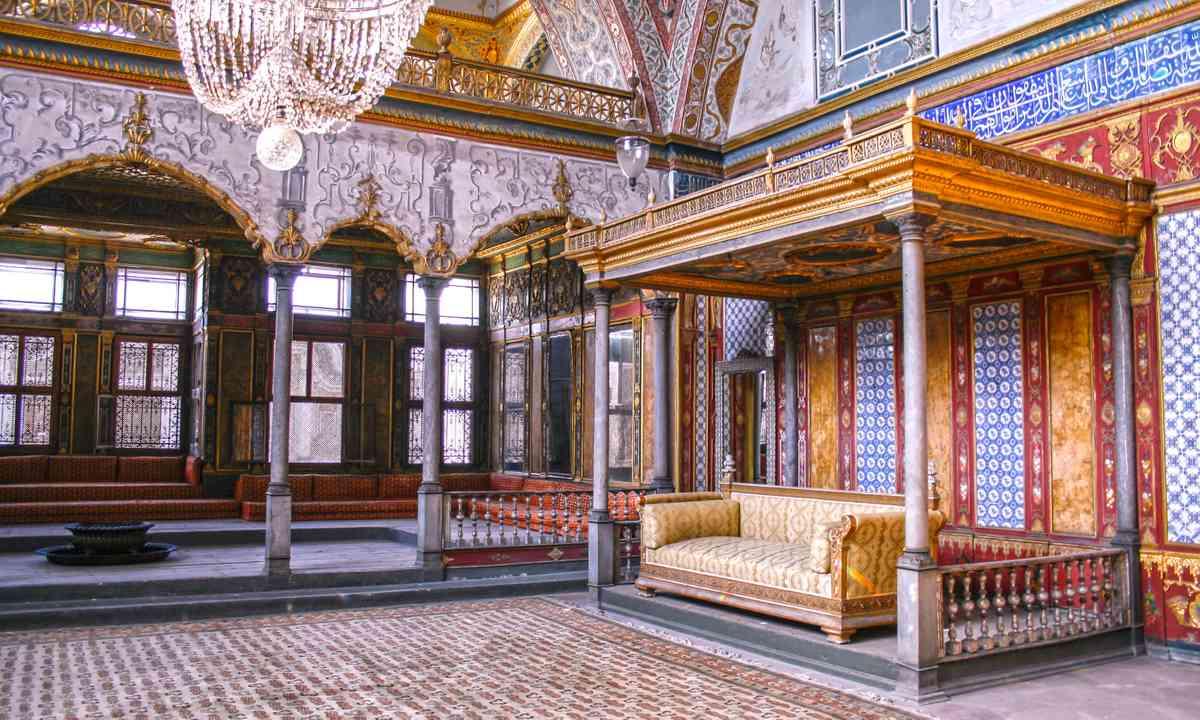 Audience hall, Topkapi Palace (Shutterstock.com)