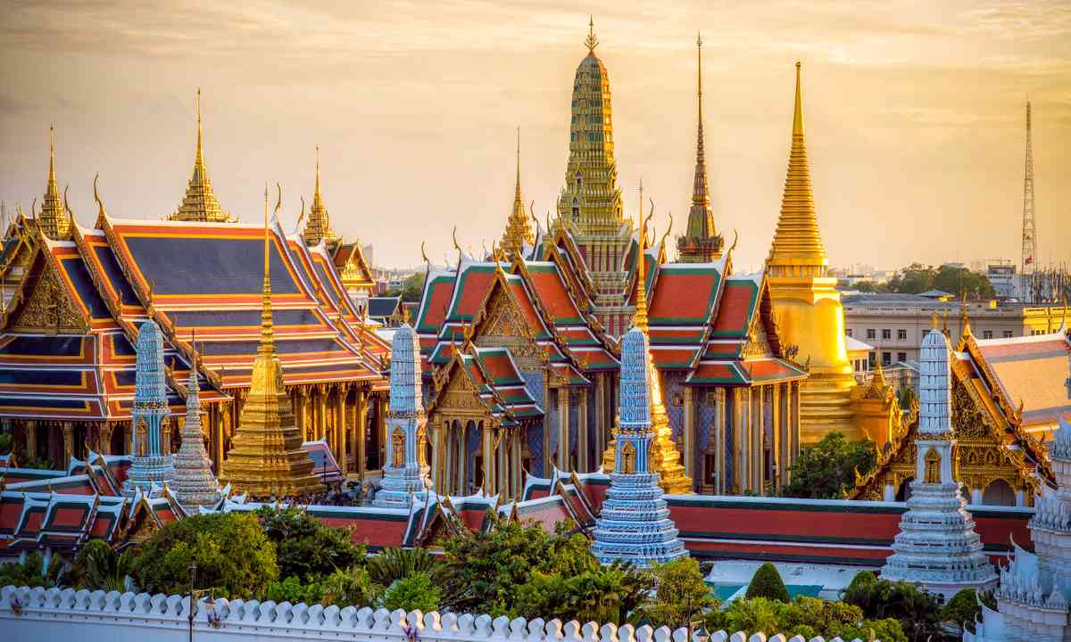 Grand Palace at sunset (Shutterstock.com)