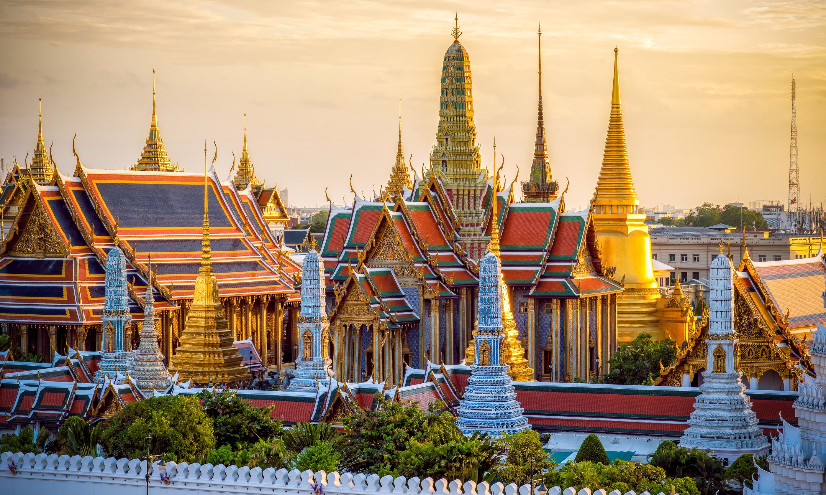 Grand Palace at sunset (Shutterstock.com)