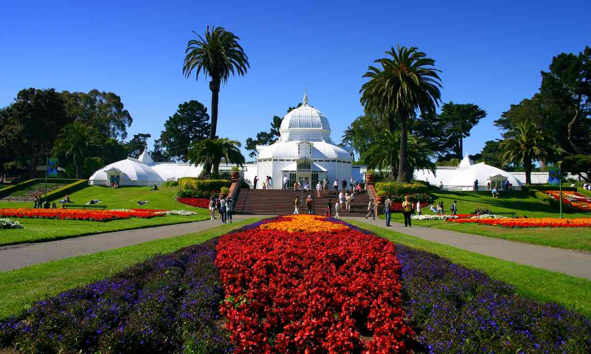 The Conservatory of Flowers (Dreamstime)