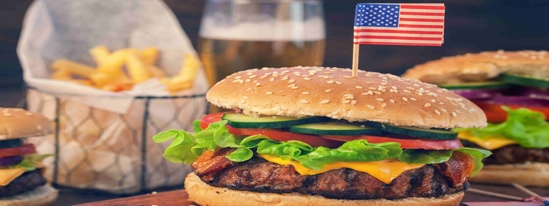 Classic American burger (Shutterstock)