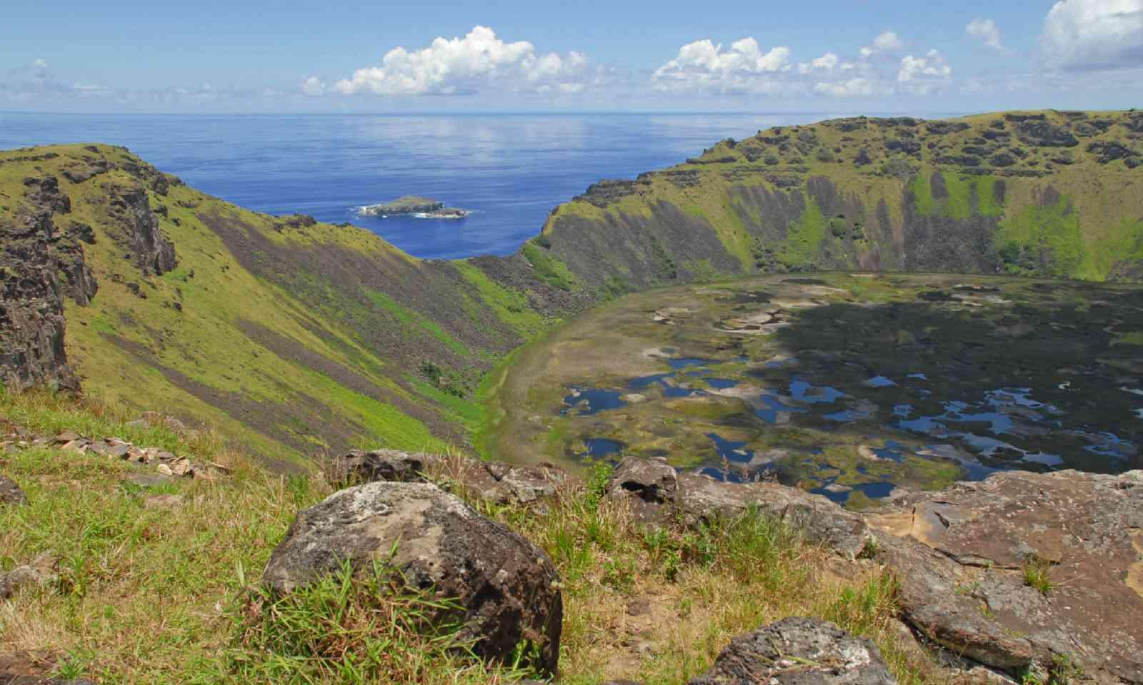 Rano Kau volcanic crater, Easter Island (Shutterstock)