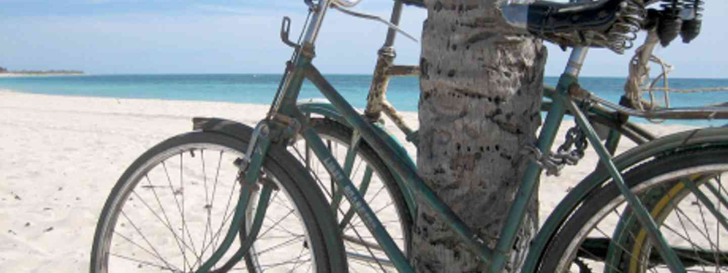 Cycling in one of the best ways to explore Cuba (Yvonne)
