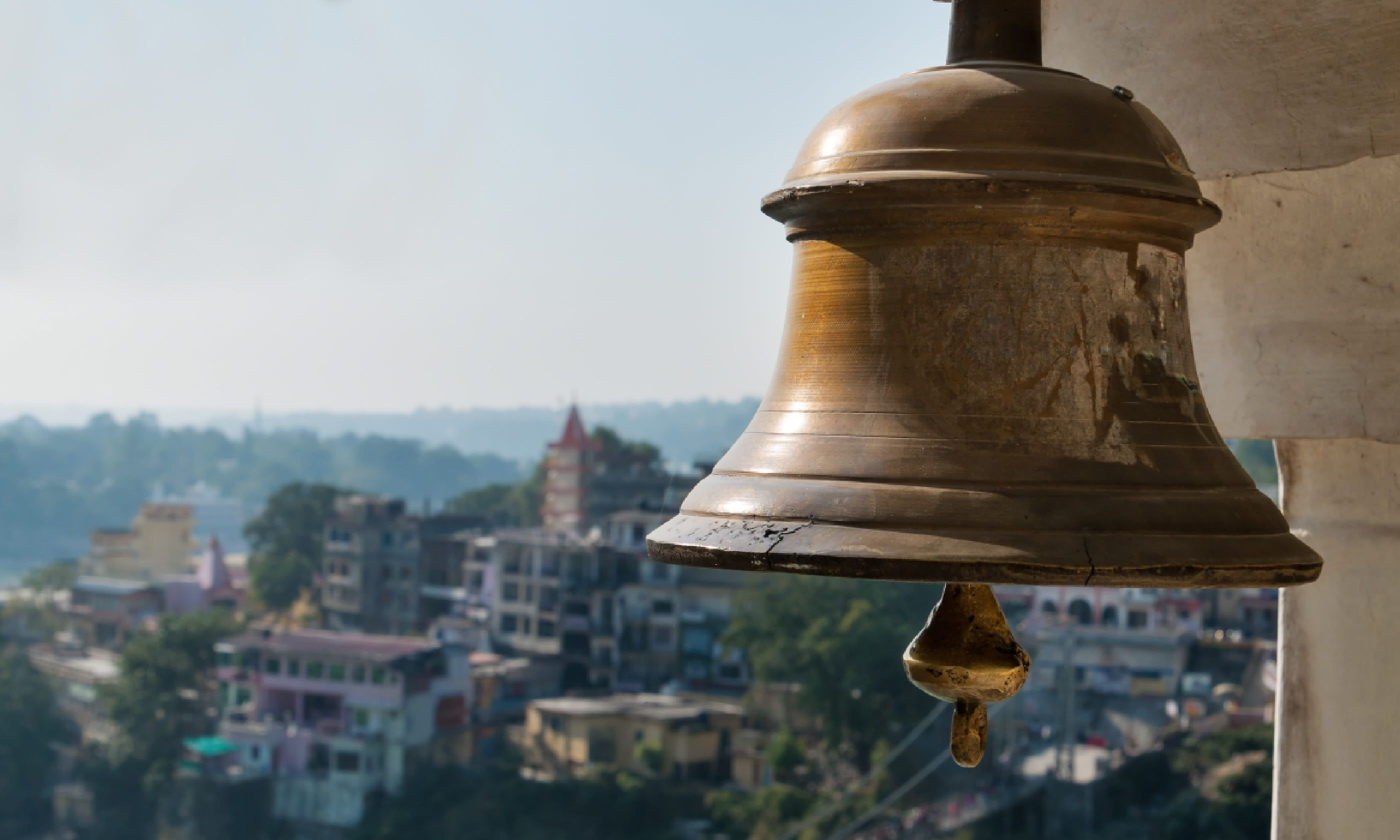 Bell in Tera Manzil Temple, Rishikesh (Shutterstock)