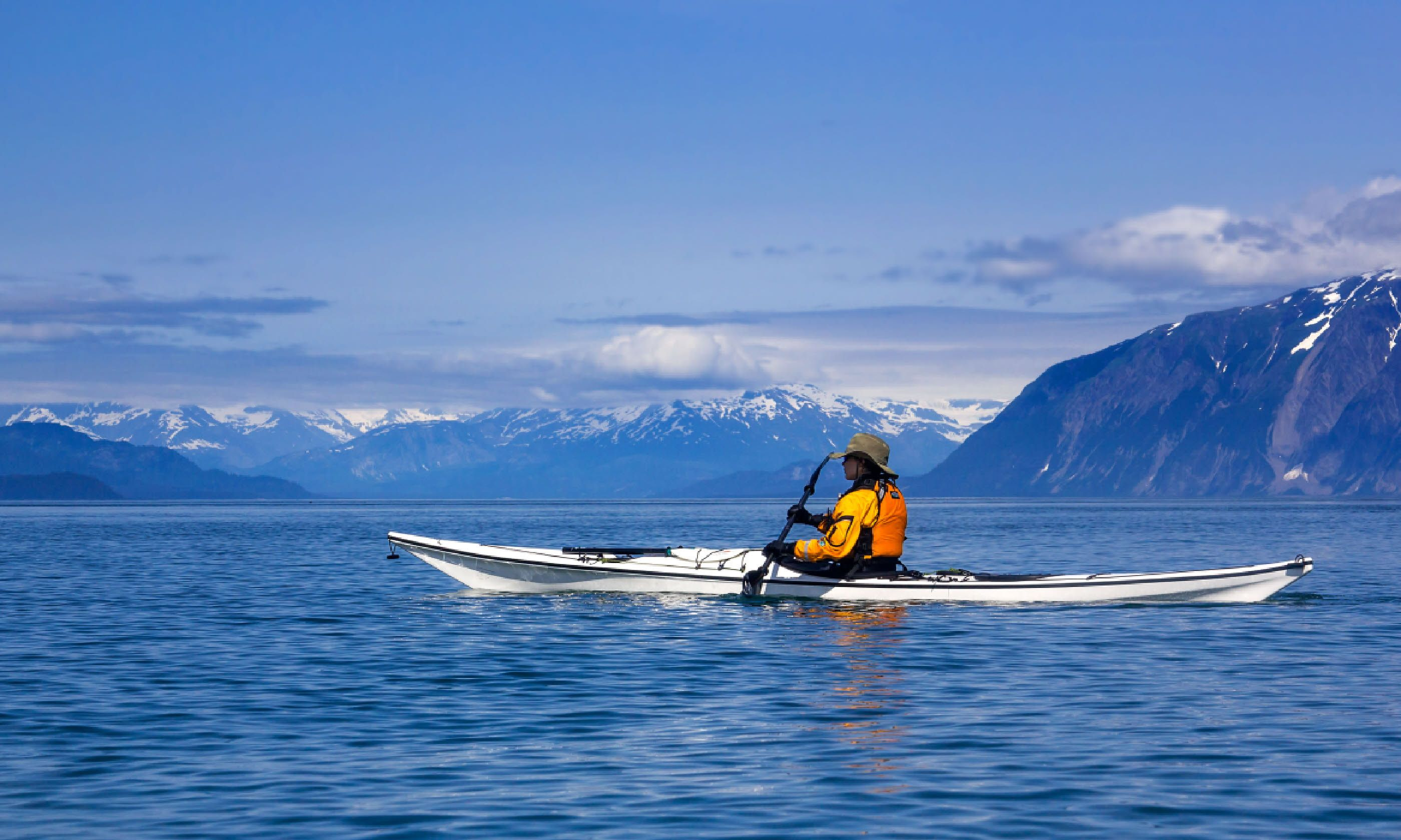 Kayaking in Glacier Bay National Park (Shutterstock)