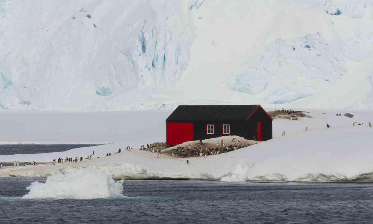 Port Lockroy, Antarctica (Dreamstime)