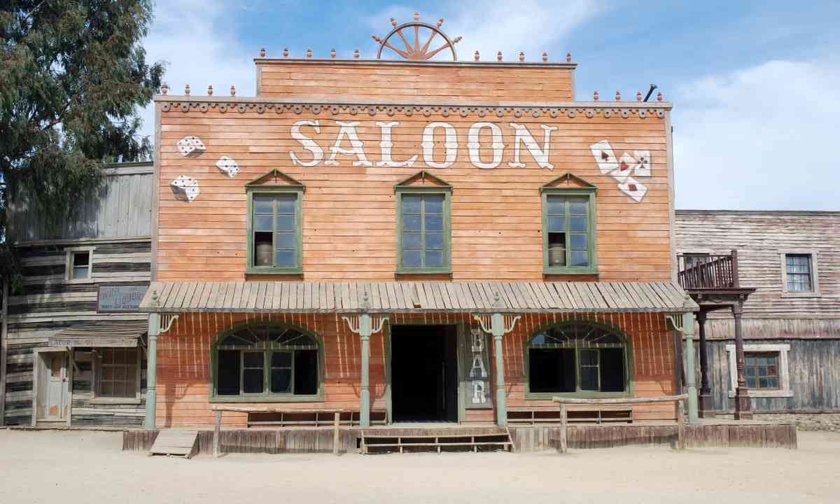 A saloon in America's wild west (Dreamstime)
