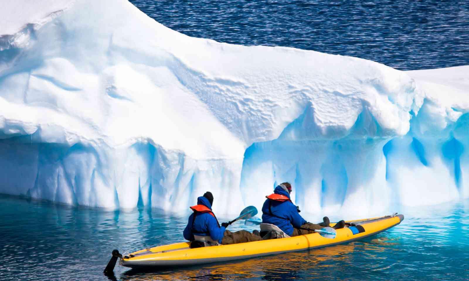 Kayaking in Antarctica (Shutterstock)