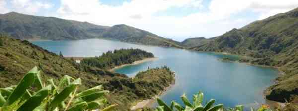 Travellers are attracted to the islands for their natural beauty (Torpe)