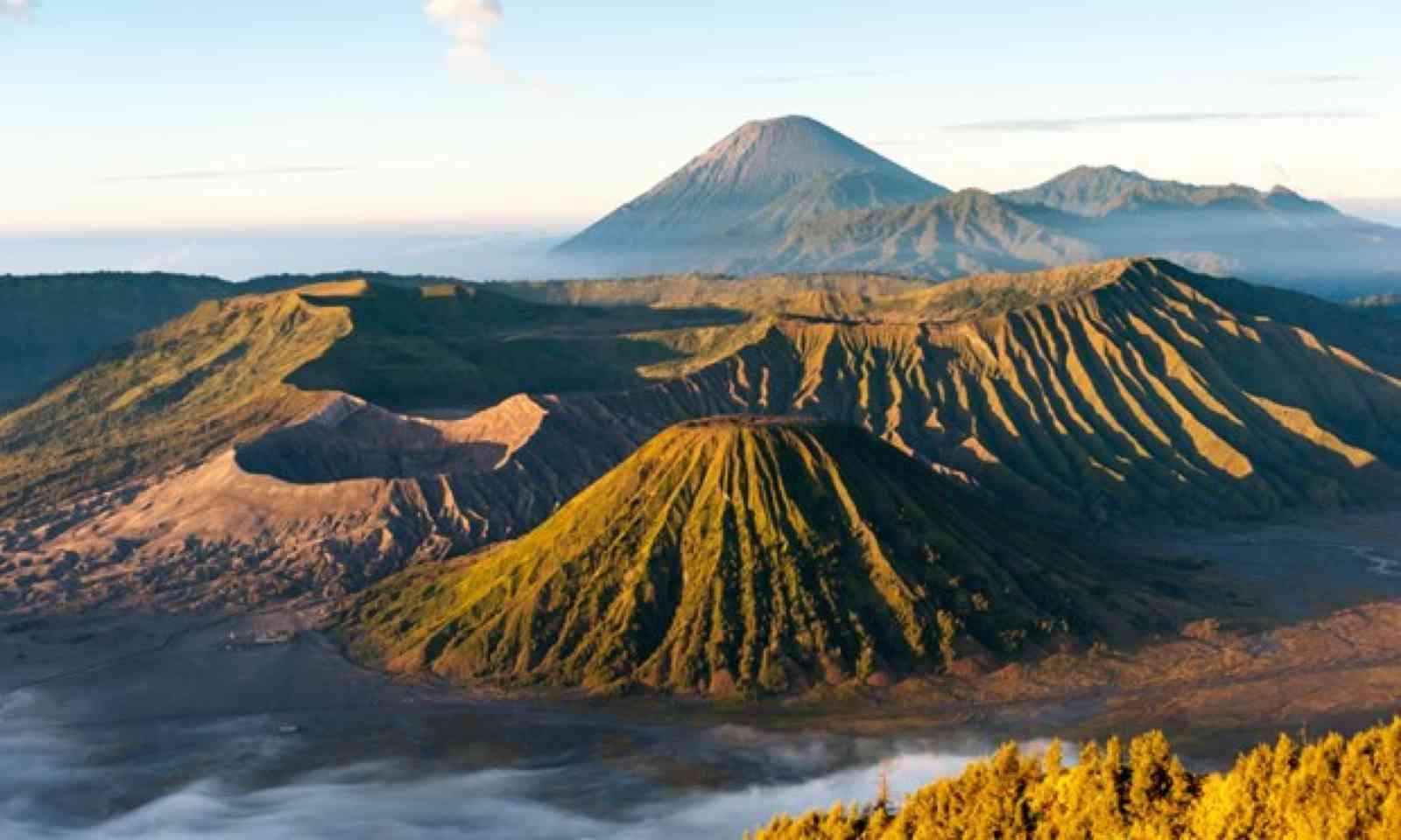 Mount Bromo (Shutterstock)